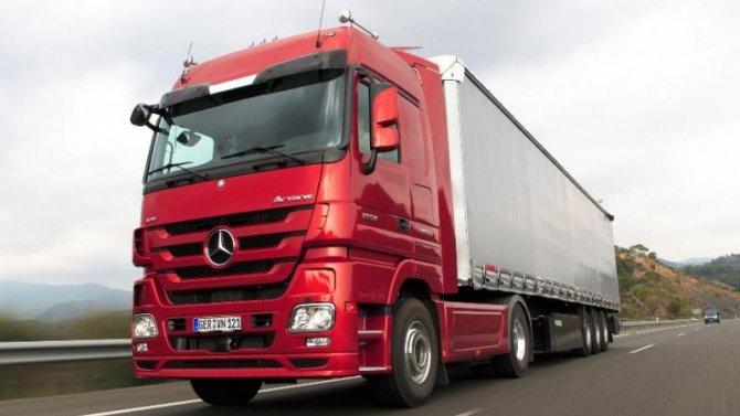 Mercedes-Benz Actros получил камеры вместо наружных зеркал