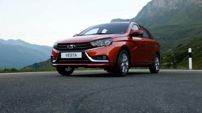 «АвтоВАЗ» изменил одну из комплектаций Lada Vesta