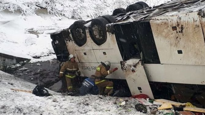 Под Тамбовом два двухэтажных автобуса снесло ветром— есть погибшие