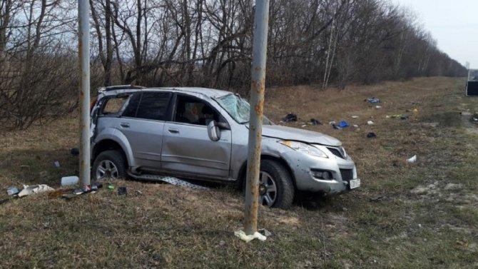 В Шацком районе опрокинулась машина – водитель погиб