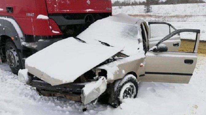 Три человека погибли в ДТП с цементовозом в Саратовской области