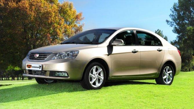 Падение рубля: вРоссии подорожают автомобили Geely