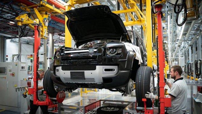 Jaguar Land Rover остановит свои заводы вВеликобритании