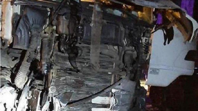 Три человека погибли в ДТП с фурой в Островском районе