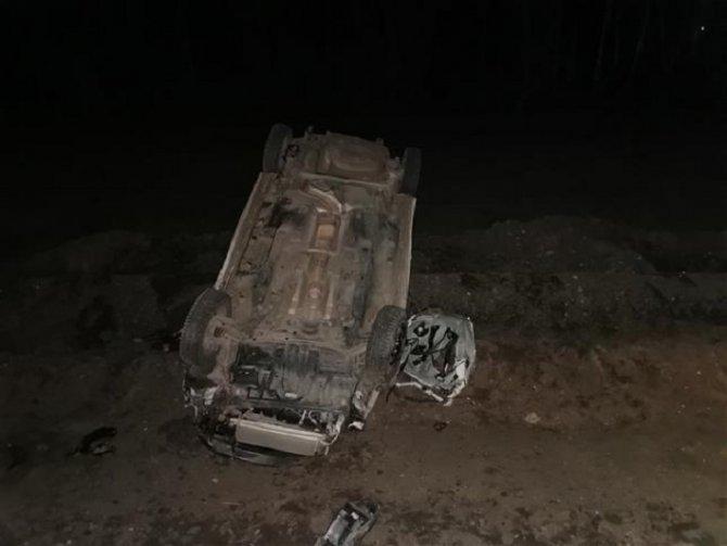 Два человека погибли при опрокидывании машины под Самарой (1)