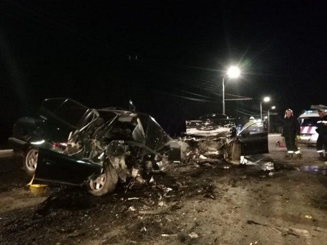 Водитель BMW погиб в ДТП под Оренбургом (4)