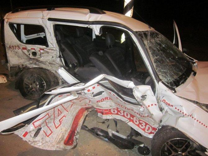 Четыре человека пострадали в ДТП с такси под Орлом (1)