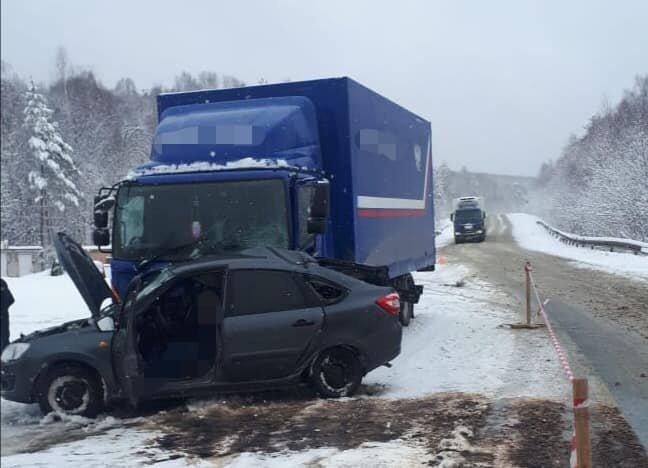 В ДТП с грузовиком в Белорецком районе Башкирии погиб мужчина (3)