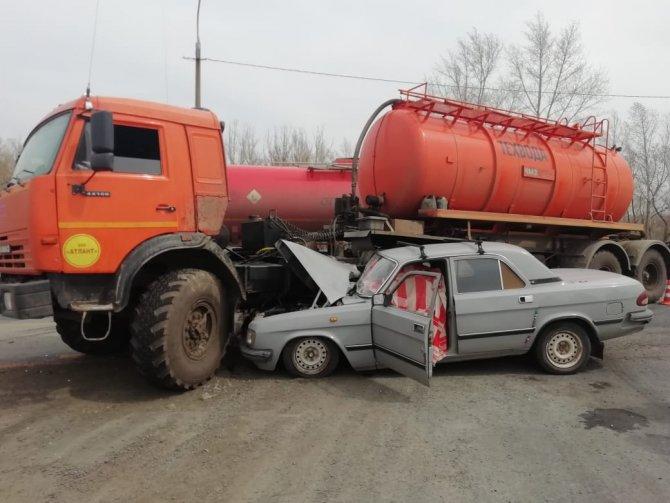 Водитель «Волги» погиб в ДТП под Оренбургом (3)