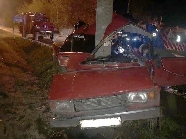17-летний пассажир ВАЗа погиб в ДТП в Новомосковске (1)
