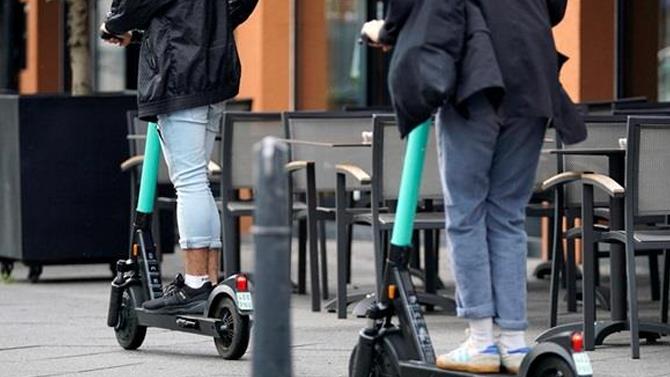ВПДД появятся «симки»: самокаты иролики выделяют вотдельный вид транспорта