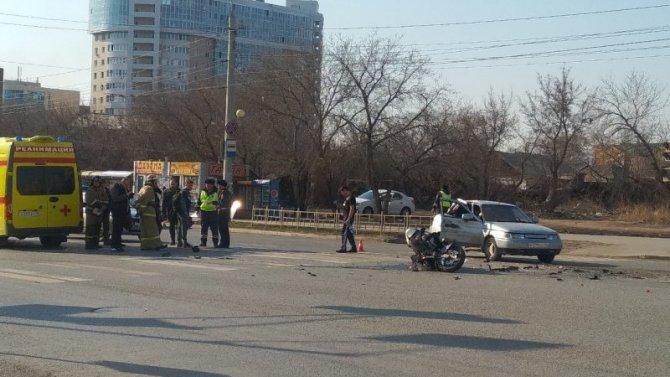 Мотоциклист пострадал в ДТП в Омске