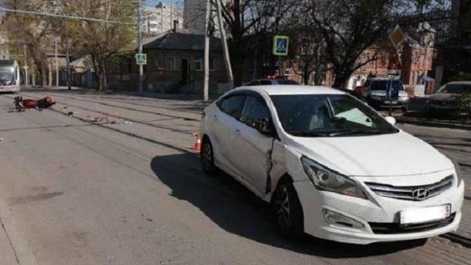 В Ростове в ДТП пострадал мотоциклист