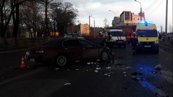 В ДТП в Вологде погиб пассажир иномарки