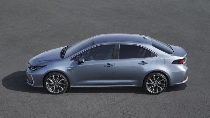 Падение рубля: «потяжелели» ценники автомобилей Toyota