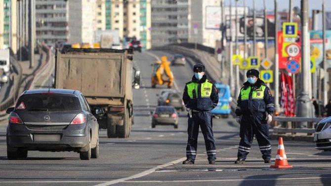 Пандемия: ГИБДД начала проверку пропусков навъезде вМоскву