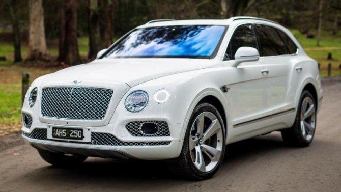 Bentley Bentayga: бензин против «гибрида»