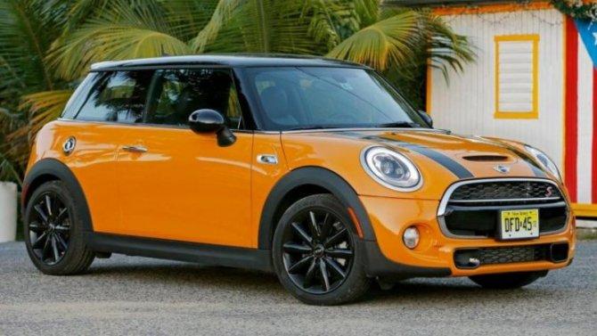 Автомобили Mini вновь получат «механику»