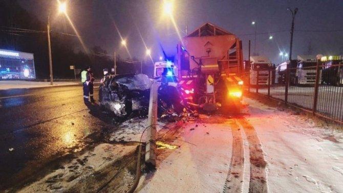В Петербурге в ДТП на Выборгском шоссе погиб человек