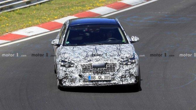 На «Нюрбургринге» появился новый Mercedes-Maybach S-Кlassе