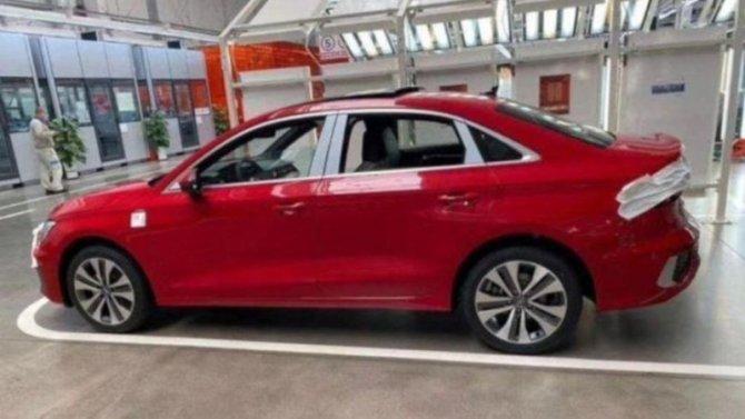 Седан Audi A3L лишился камуфляжа
