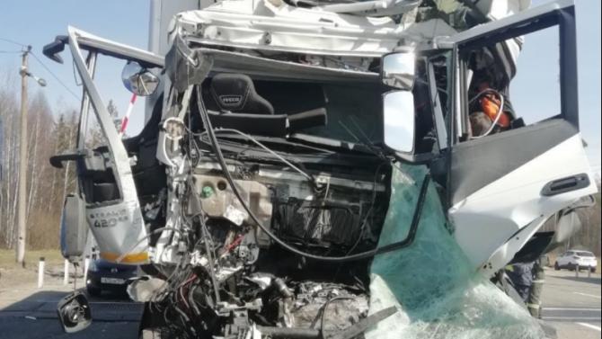 Водитель большегруза погиб в ДТП в Нижегородской области
