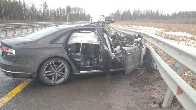 В ДТП в Окуловском районе погибла женщина