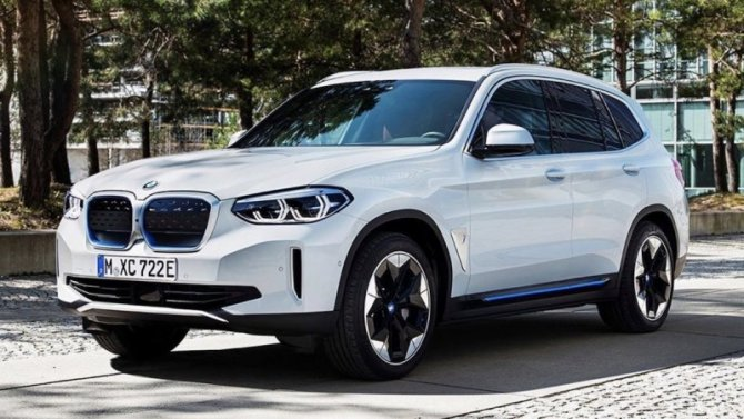 В интернете появились первые изображения BMW iX3