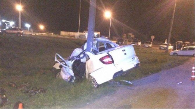 На Кубани «Лада» врезалась в столб – погиб водитель