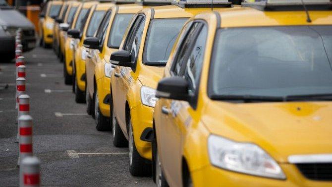 ВМоскве водителей будут отключать отагрегаторов, если маршрут поездки несоответствует указанному вспецпропуске пассажира