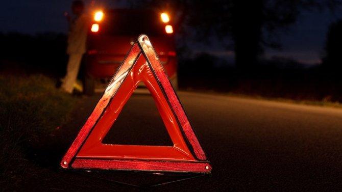 Под Смоленском ВАЗ врезался в дерево – водитель погиб