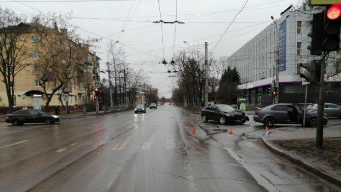 Женщина пострадала в ДТП в центре Вологды