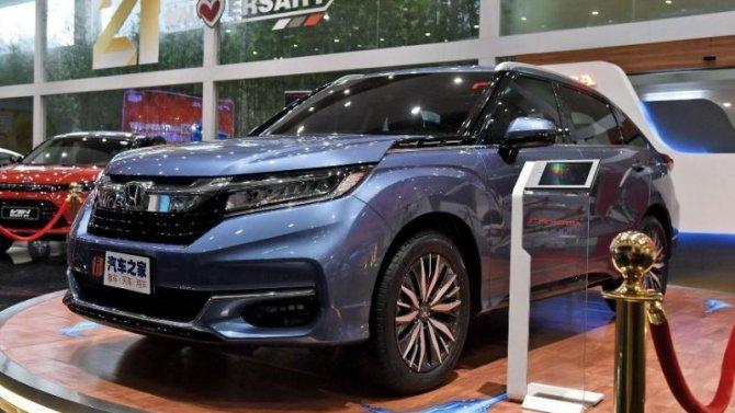 Начались продажи обновлённого кроссовера Honda Avancier