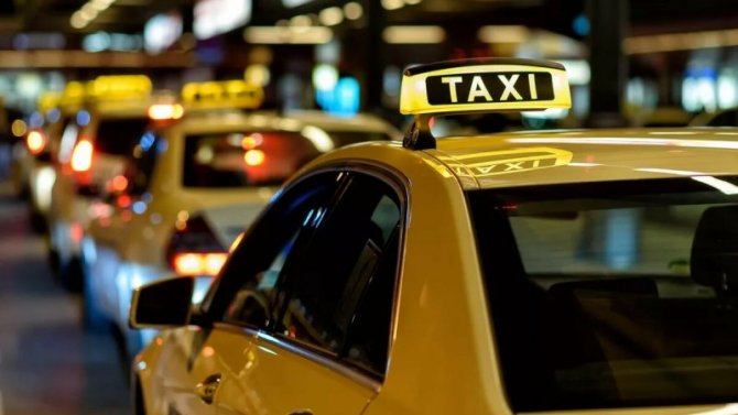 Пандемия: московские таксисты рискуют разориться