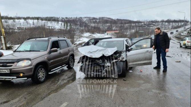 В ДТП на Мурманском шоссе пострадали двое