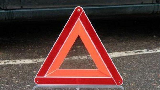 В Дзержинске иномарка врезалась в столб – погиб человек
