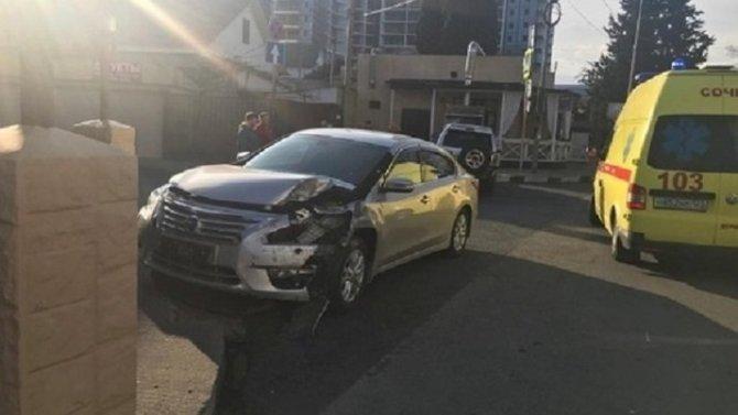 В ДТП в Сочи погиб водитель иномарки