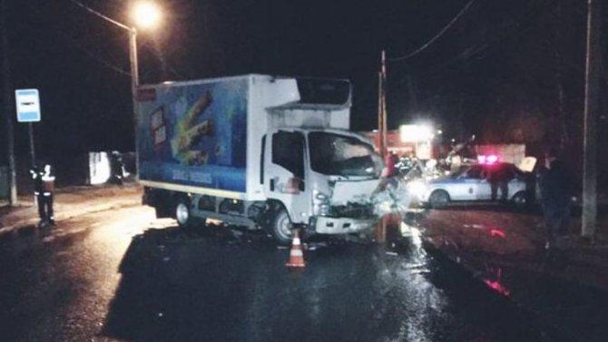 ВЛенобласти вДТП с легковушкой идвумя грузовиками погибло два человека