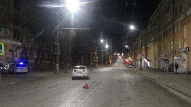 В Ижевске на переходе сбили девушку