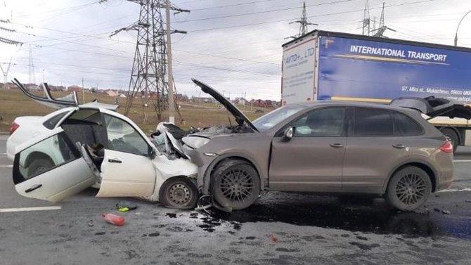 В ДТП в Самарской области погиб водитель «Гранты»