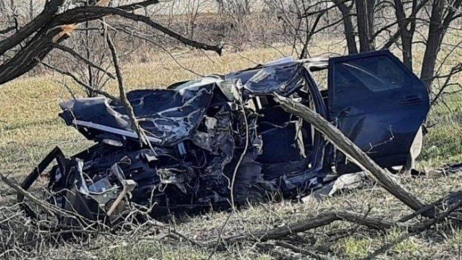 Два подростка погибли в ДТП в Ростовской области