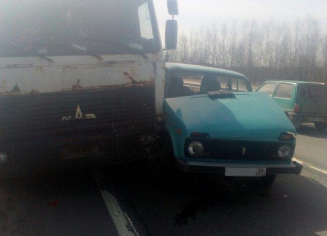 В ДТП с грузовиком в Череповецком районе погиб человек (2)