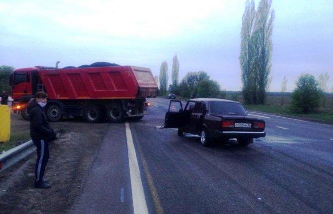 19-летний пассажир ВАЗа погиб в ДТП под Воронежем (3)