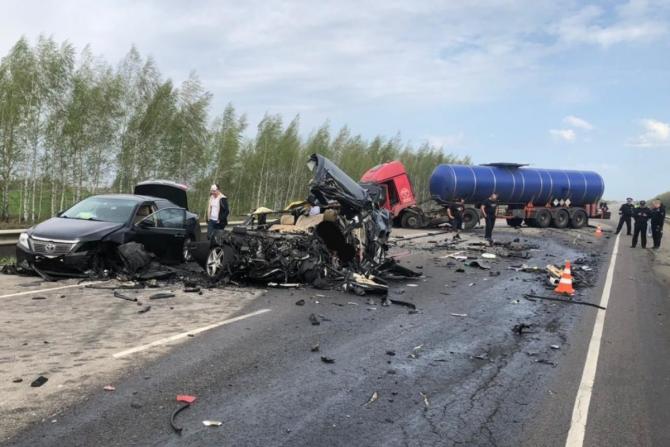 Водитель Мерседеса погиб в ДТП в Рязанской области (2)