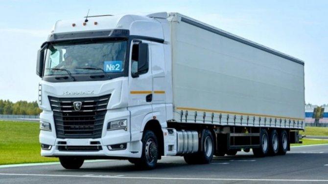 «КамАЗ» начал продажи новых тягачей