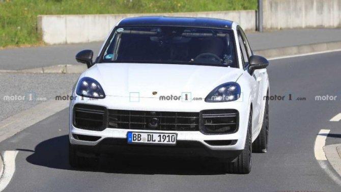 Начались испытания самого мощного Porsche Cayenne Coupe