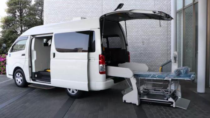 Пандемия: Toyota разработала микроавтобус для перевозки больных
