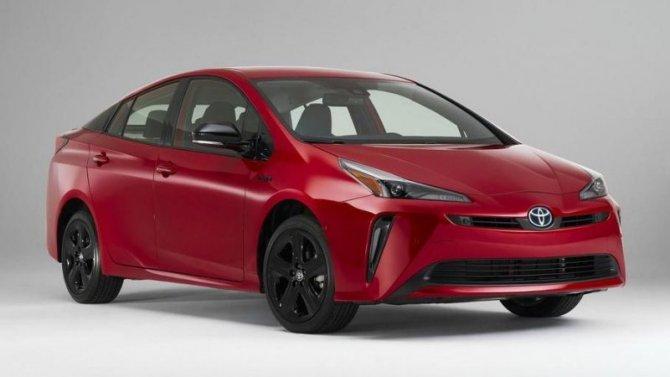 Toyota Prius получила юбилейную спецверсию