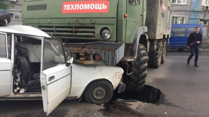 В Туле КамАЗ раздавил легковушку – погиб человек