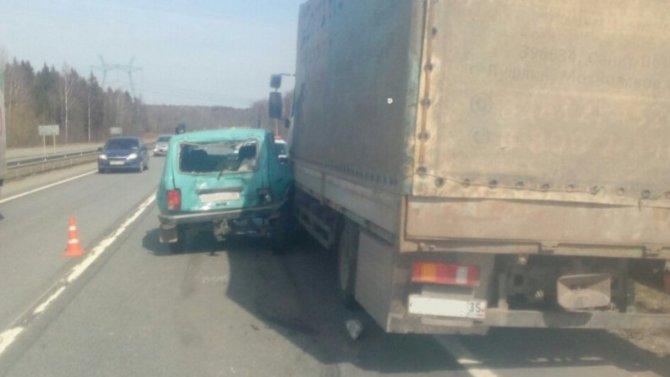 В ДТП с грузовиком в Череповецком районе погиб человек